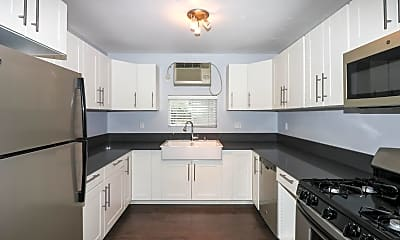 Kitchen, 350 Wisconsin Ave, 0