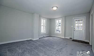 Bedroom, 437 E King St, 1