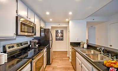 Kitchen, 600 W 9th St 911, 1