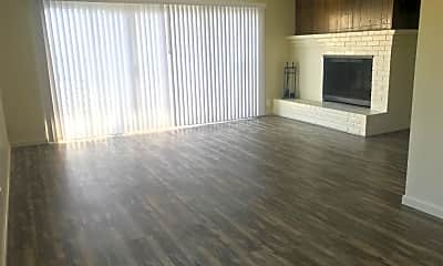 Living Room, 324 Warwick Ave, 1