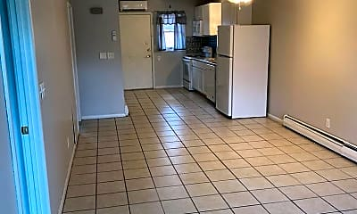 Kitchen, 11 W Lincoln St, 1