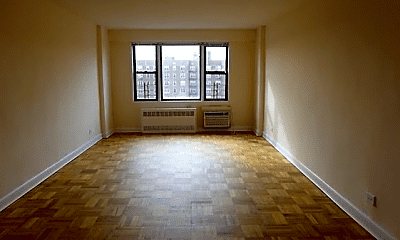 Living Room, 98-06 67th Ave, 1
