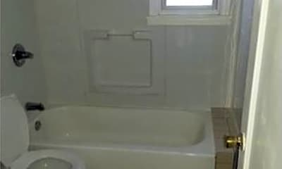 Bathroom, 350 Concord Ave, 2