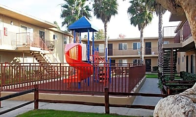 Playground, Casa Madrid, 1