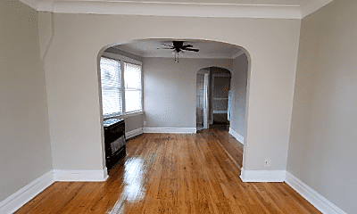 Living Room, 3982 S Archer Ave, 1