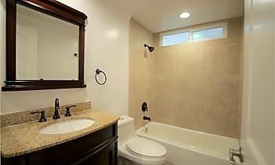 Bathroom, 207 Lugonia St A, 2