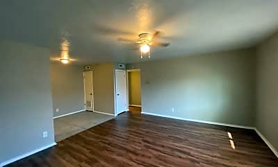 Living Room, 6026 NW Expressway Unit C, 1