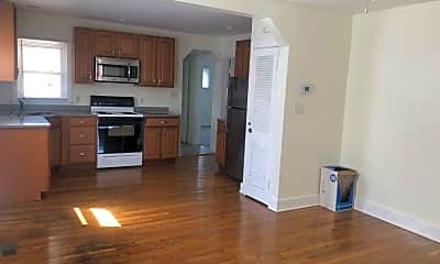 Kitchen, 3015 Dwight Ave, 1