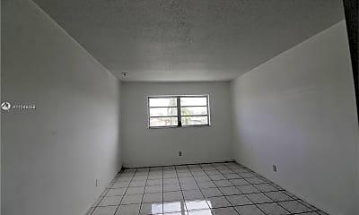 Living Room, 580 Egret Dr 302, 2