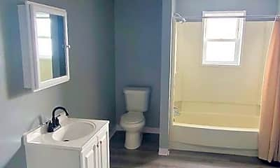 Bathroom, 911 Eddy Rd, 1