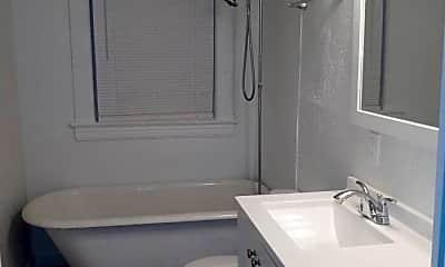 Bathroom, 2006 West Blvd, 2