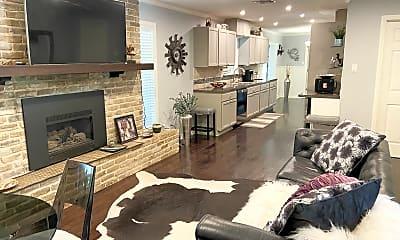 Living Room, 11904 N Oaks Dr, 1