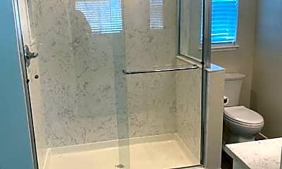 Bathroom, 4171 Wilson Ave, 2