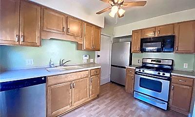 Kitchen, 2921 Ludlow Rd, 1