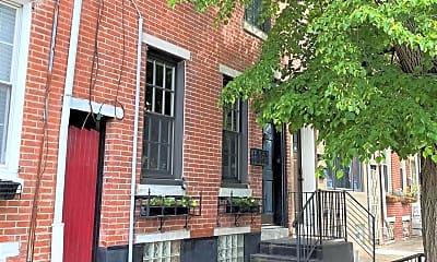 315 E Thompson St, 1
