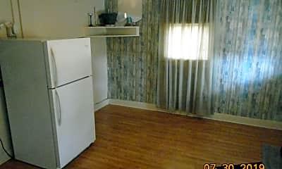 Kitchen, 904 N Franklin St, 1