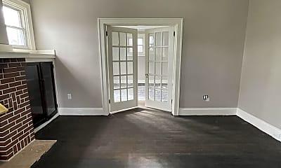 Living Room, 527 Grove St, 1