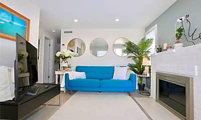 Living Room, 662 S Coast Hwy C, 1