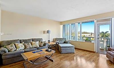 Living Room, 3111 N Ocean Dr 401, 1