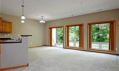 Living Room, 191 Larpenteur Ave E, 1