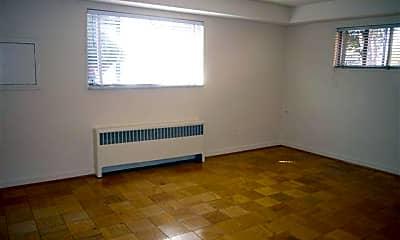 Bedroom, 4934 Battery Ln, 1