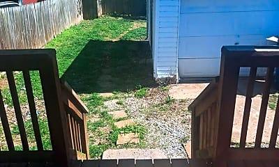 Patio / Deck, 207 Waller Ave, 2
