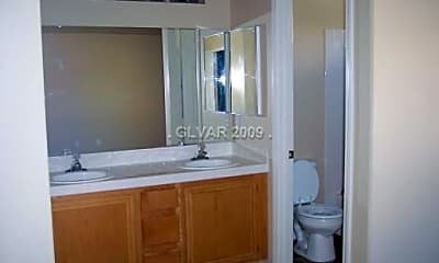 Bathroom, 7968 Traditional Ct, 2