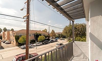 Patio / Deck, 4517 Prospect Ave 4, 1