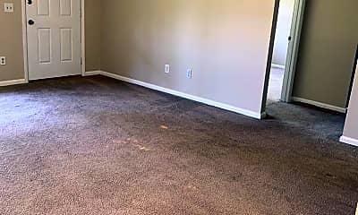 Living Room, 458 Elm St, 1