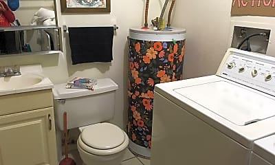 Bathroom, 619 Parker St, 1