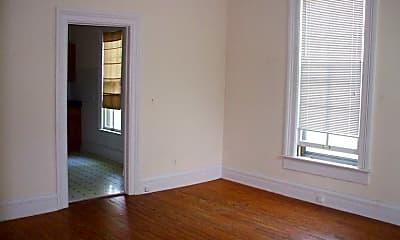 Living Room, 509 N Adams St, 1