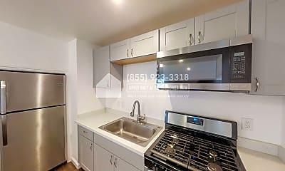 Kitchen, 1440 Chestnut Street C, 1