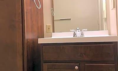 Bathroom, 2128 W Wells St, 2
