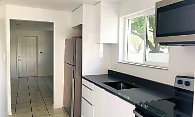 Kitchen, 1100 S Lake Dr, 1