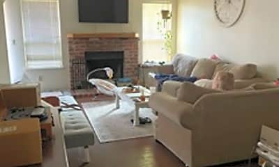 Living Room, 604 Hovey Way, 1
