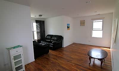 Living Room, 4118 N Menard Ave 2, 1