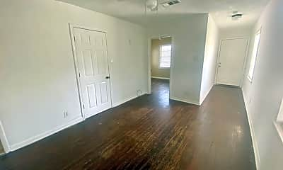 Living Room, 8012 Mclean, 1