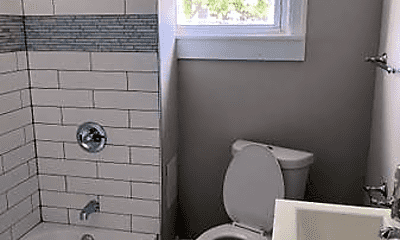 Bathroom, 2401 Baker St, 0