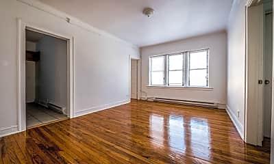 Living Room, 8000 S Ellis Ave, 2