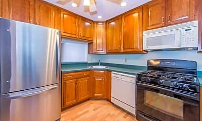 Kitchen, 976 Juniper Way, 0