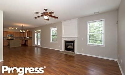 Living Room, 124 Lakeshore Pkwy, 1