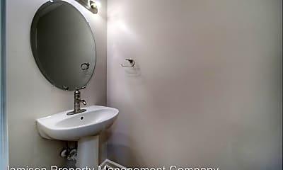 Bathroom, 3032 Des Prez Avenue, 1