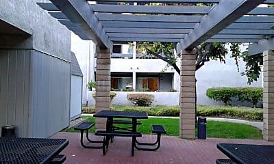 Acacia Villa, 2