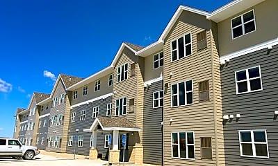 Building, Tamarack Place Apartments, 0