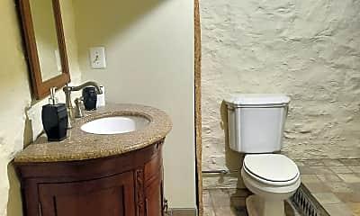 Bathroom, 32 Cottage Ave, 2