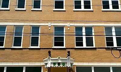 Building, 227 W Breckinridge St, 1