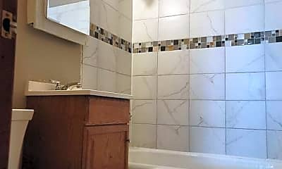 Bathroom, 3547 S 5th St, 2