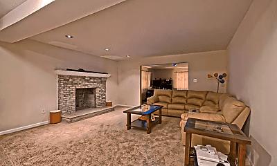Living Room, 5 Logan Dr, 1