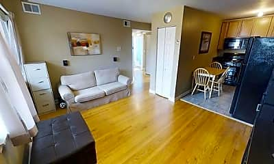 Living Room, 2636 W Foster Ave, 1