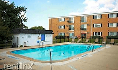 Pool, 580 Lawrence Ave, 1